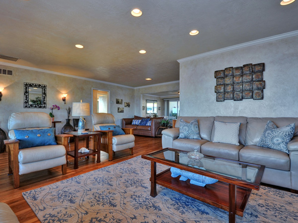Santa Cruz Vacation Rental - 1600 West Cliff - Living room view